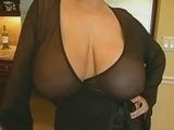 I Almost Cum In My Pants When I Saw My Girlfriends Busty Mom Today