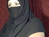 Arab Sexy Chick Exposed Her Hot Body on Cam